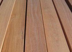 guarda corpo de madeira para sacada