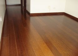 colocação de piso de madeira
