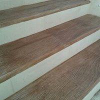 Degrau de escada madeira
