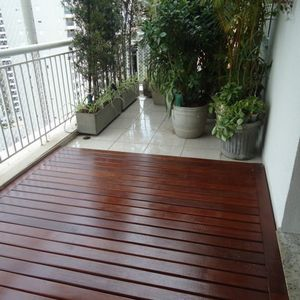 deck madeira piscina