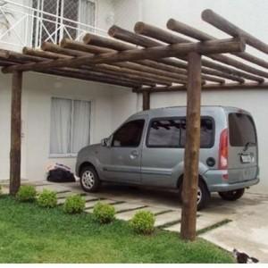 Pergolado de madeira para garagem