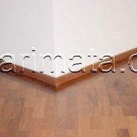 Rodapé de madeira maciça